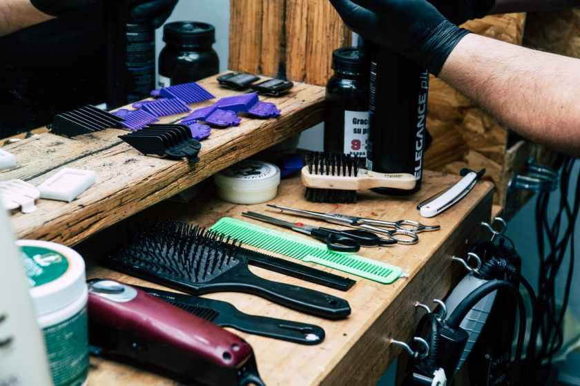 barber s tool on table