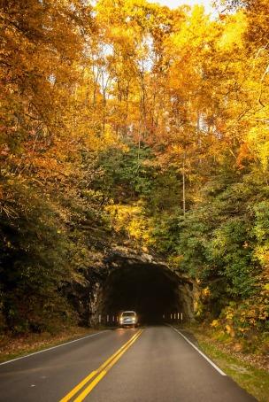 tunnel-220117_1280